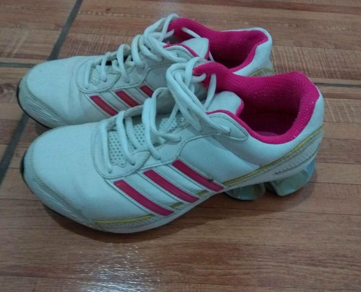 3340dd838a8 adidas cosmos w - tênis adidas.  Czm6ly9wag90b3muzw5qb2vplmnvbs5ici9wcm9kdwn0cy82mtqynde3lze2yzk1otkzzdi2mja1zjiyowu3zwvkn2njm2rhntbllmpwzw  ...