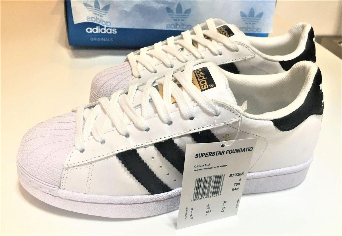 68e7e14f89b adidas superstar - tradicional - tênis adidas.  Czm6ly9wag90b3muzw5qb2vplmnvbs5ici9wcm9kdwn0cy8xmdq4nzy1ny8wndzkmjazzgfhyzc3zdflmziynwvlmgviownjzmu3oc5qcgc  ...