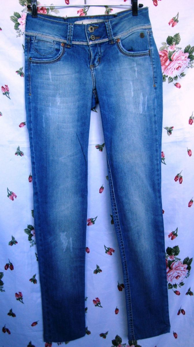 agora temos jeans colcci também - calças colcci.  Czm6ly9wag90b3muzw5qb2vplmnvbs5ici9wcm9kdwn0cy81otkxnjq3l2q5mzexogq5mzyxnzu1mmmxmzbiy2myytg5ntlhnzjilmpwzw  ... de684cc26a9
