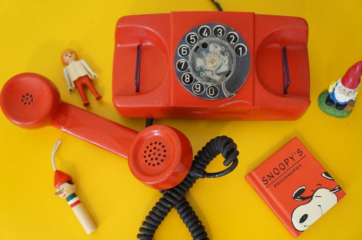 alo, é da década de 80? telefone antigo vermelho - vintage e retrô multtel