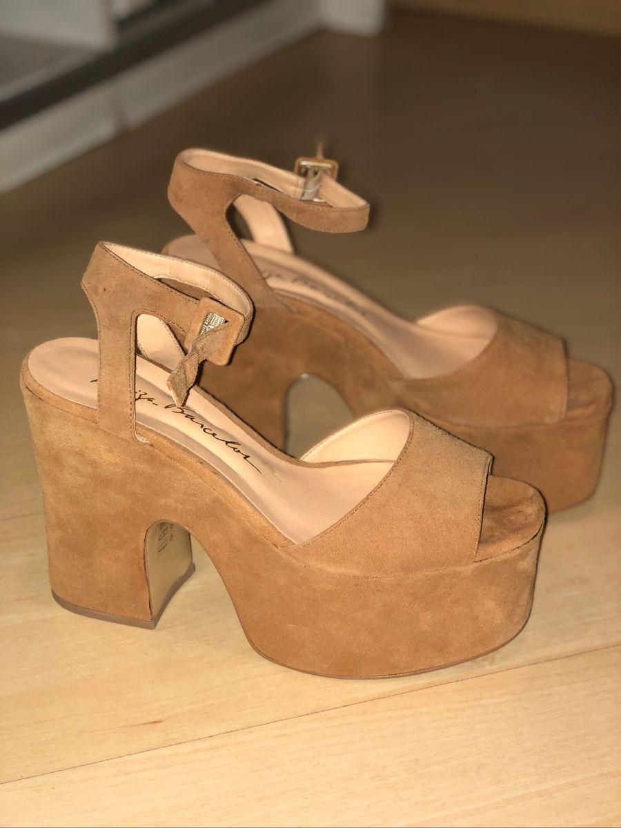 anabela camurça luiza barcelos - sandálias luiza barcelos