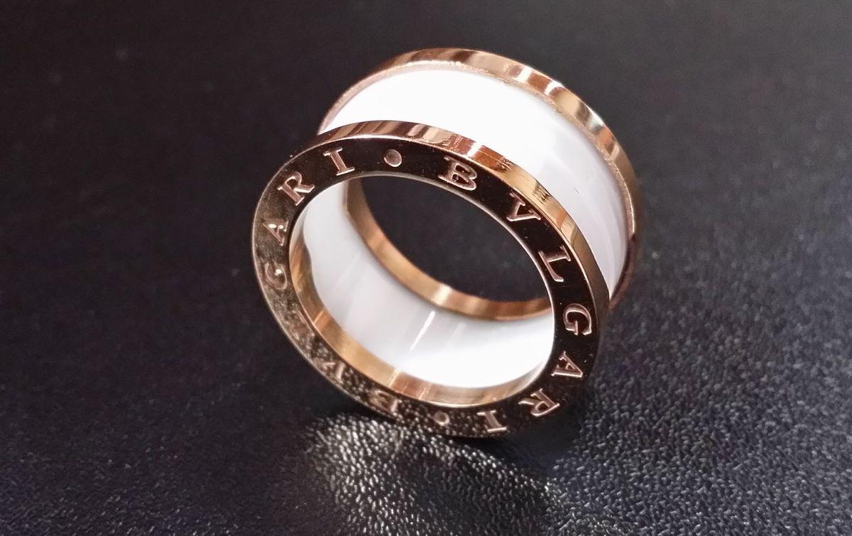 b047ebab393 anel aliança bvlgari bzero luxo unisex - bijoux bvlgari