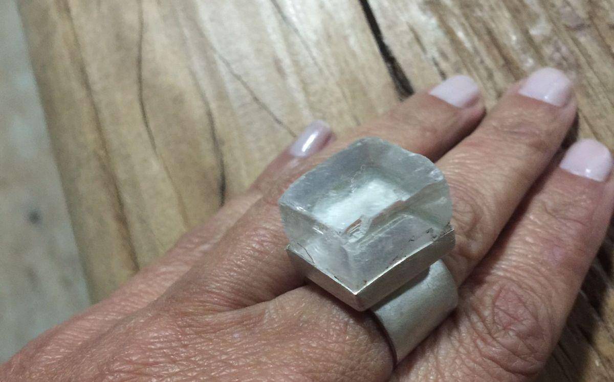 Anel em Prata e Calceta Transparente... Pedra da Mente Tranquila ... e6d6779f49