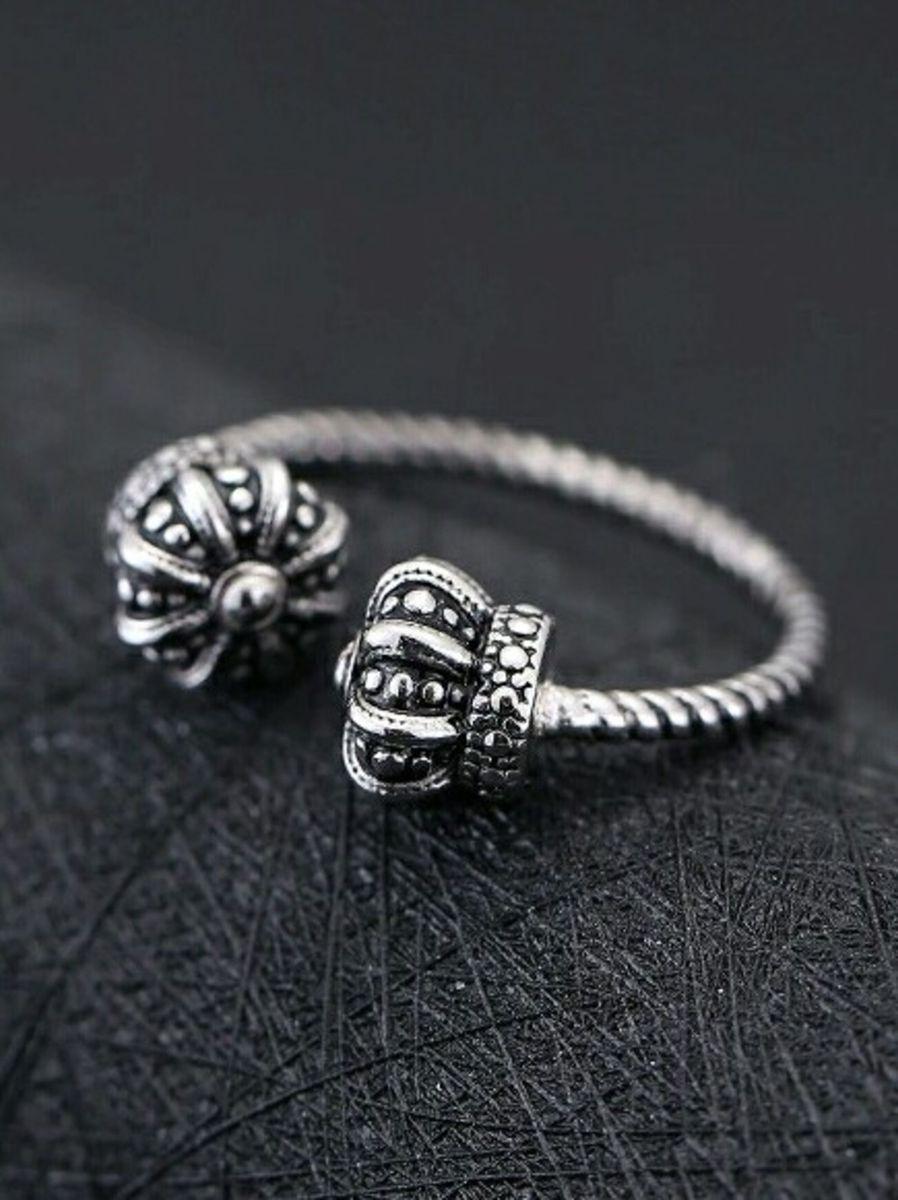 736433ced84 anel real coroas - jóias vivara.  Czm6ly9wag90b3muzw5qb2vplmnvbs5ici9wcm9kdwn0cy8xmjc0njavndcyndk5n2q0ymq4n2y4ytjinzg4ytewmdgwnti2nzmuanbn  ...