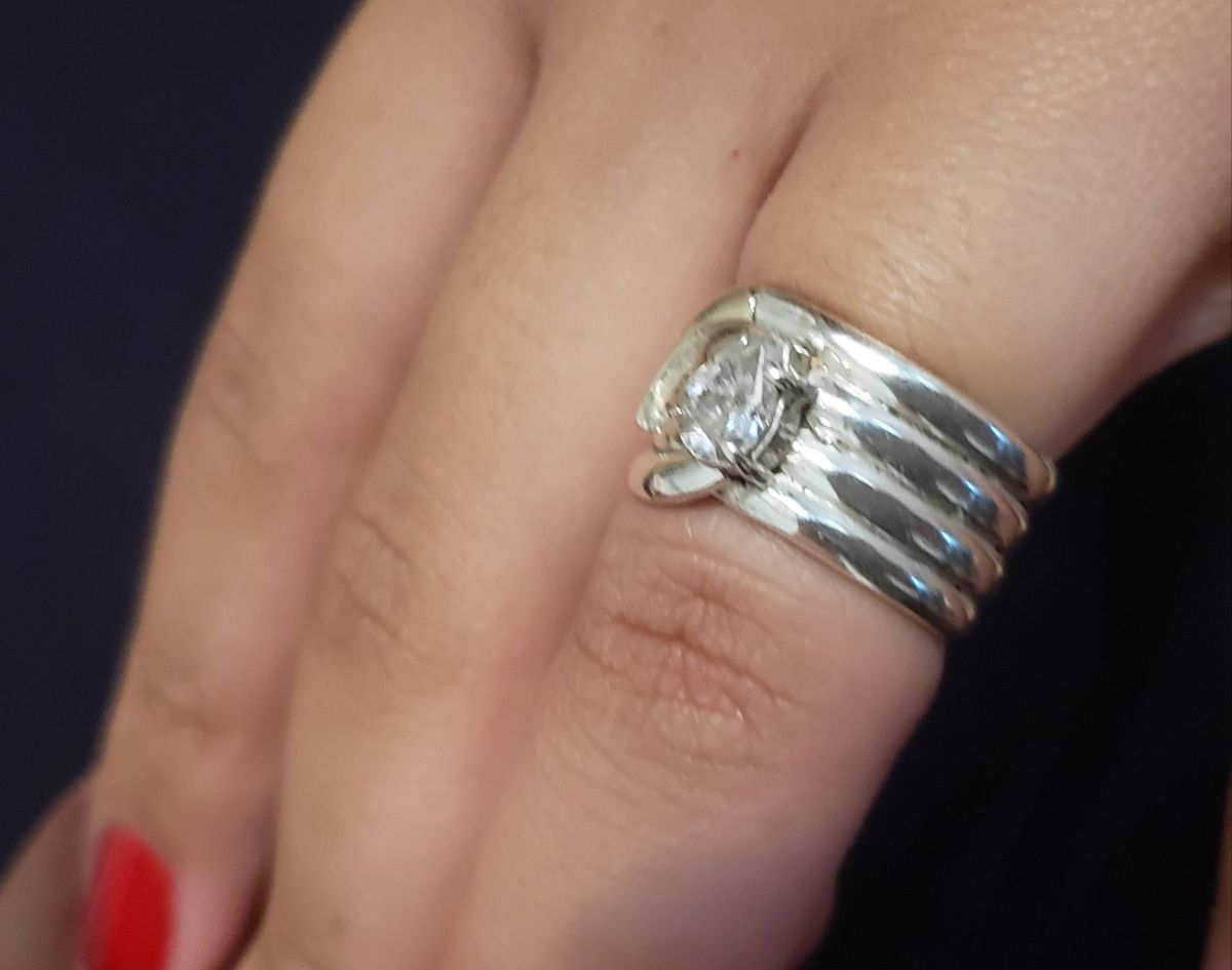 f47c15d8403fb anel solitário em prata maciça com pedra zircônia - antiquário sem marca