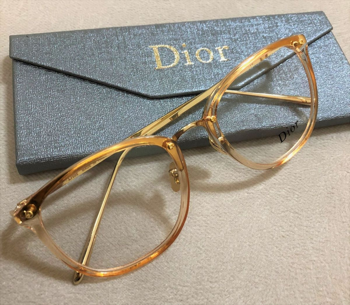armação de grau feminina dior quadrada gatinha acetato metal dourado  transparente dourado - óculos dior edb8130533