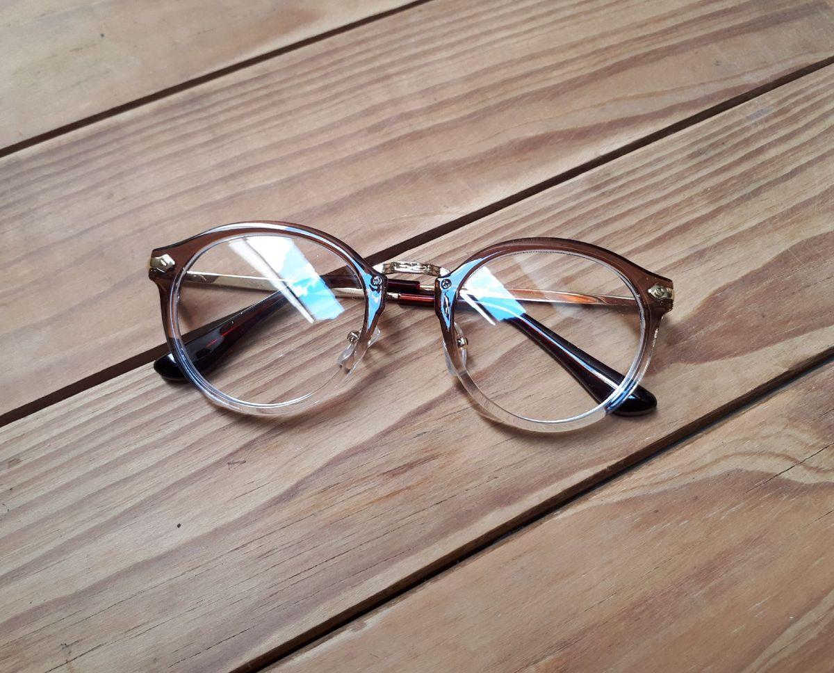 58f75a299 armação de óculos degrade - óculos sem marca.  Czm6ly9wag90b3muzw5qb2vplmnvbs5ici9wcm9kdwn0cy80ody2mzqyl2q3zdllndqxnmy2otyxodyyyzu3ywexy2y5zjaznmq4lmpwzw