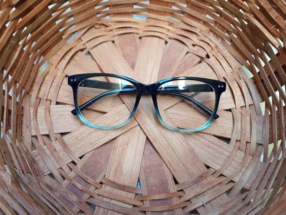 62705721a armação de óculos degrade - óculos sem marca.  Czm6ly9wag90b3muzw5qb2vplmnvbs5ici9wcm9kdwn0cy81mzk5otmwl2y3nwqyntrhoda3zme5zmuwmzfizwrjyjjjmdk0y2i2lmpwzw