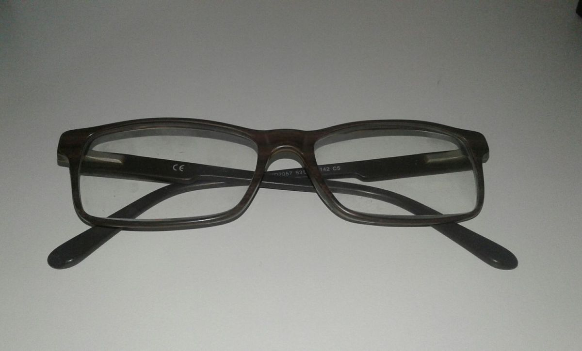 401c4cf48e24a armação de óculos retangular marrom - óculos gassi