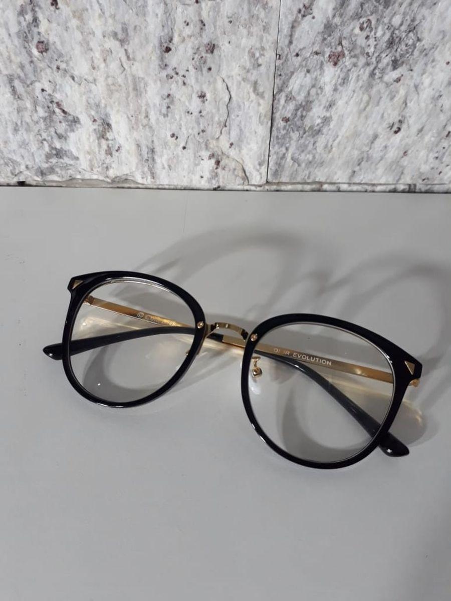 armação dior redondinha preta - óculos dior.  Czm6ly9wag90b3muzw5qb2vplmnvbs5ici9wcm9kdwn0cy85ndyxnja2lzkyytg5yja1zgm3ogu3nguxzmezyte1ytnkymuzm2m5lmpwzw  ... e3344eda18