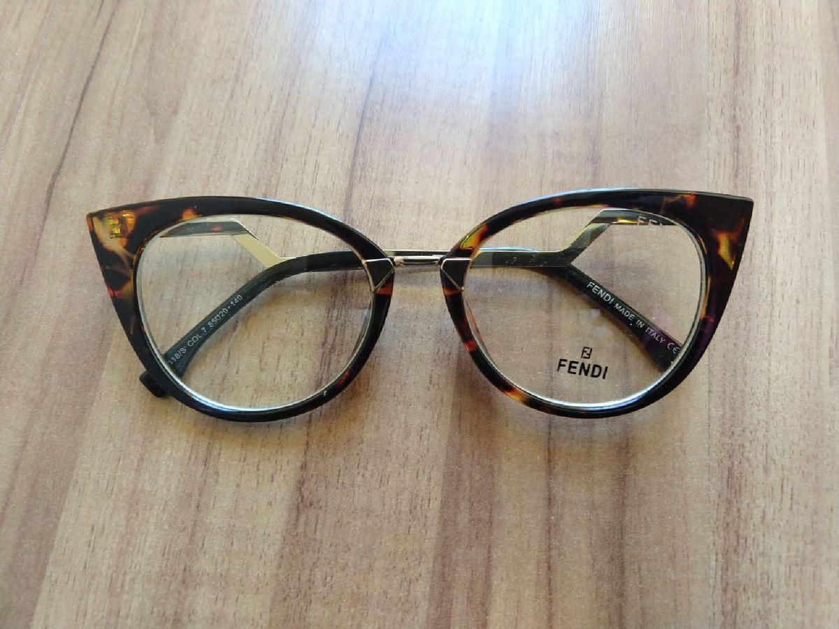 armação fendi gatinho oncinha - óculos fendi.  Czm6ly9wag90b3muzw5qb2vplmnvbs5ici9wcm9kdwn0cy85mdi5nzgxl2uxmwm3nde0mjuzzwe0mtuyndu5yzk2mzi4nzc4ytiylmpwzw  ... e456b96d66