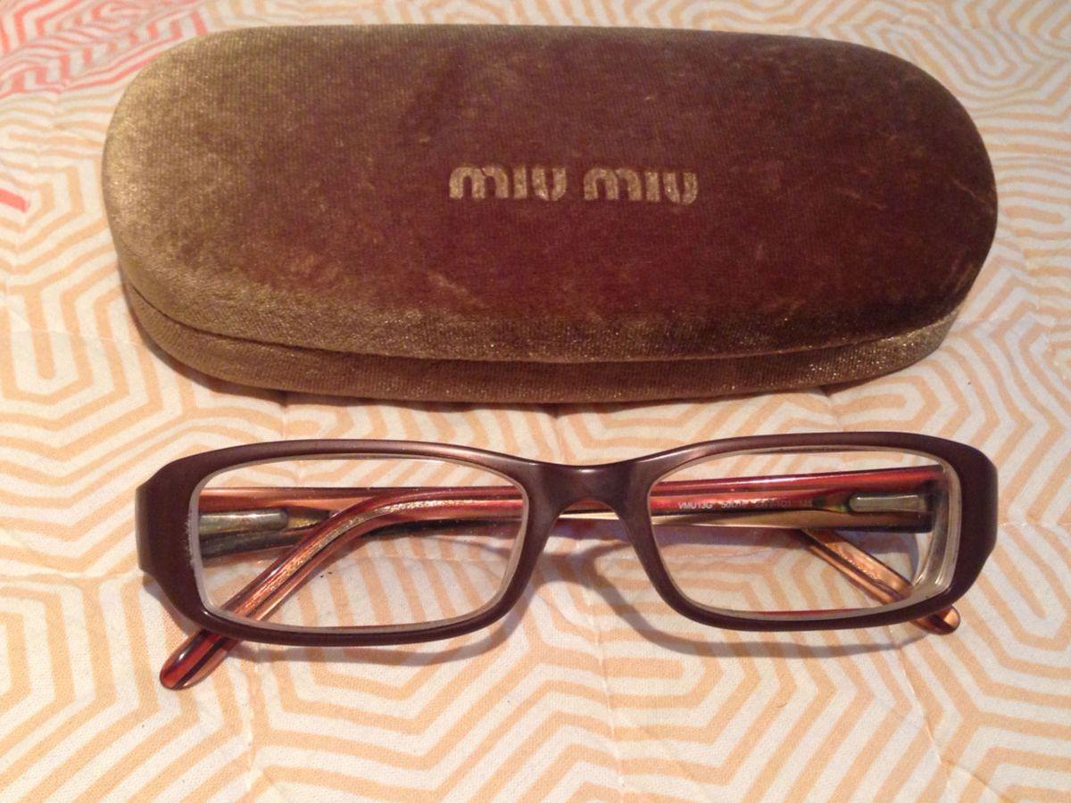 armação miu miu - óculos miu miu.  Czm6ly9wag90b3muzw5qb2vplmnvbs5ici9wcm9kdwn0cy80mza1odevzgm3zgzmmjc1y2mwyzi0zdm0y2i1nwi2odm5mdnmmwquanbn  ... e8c0405934