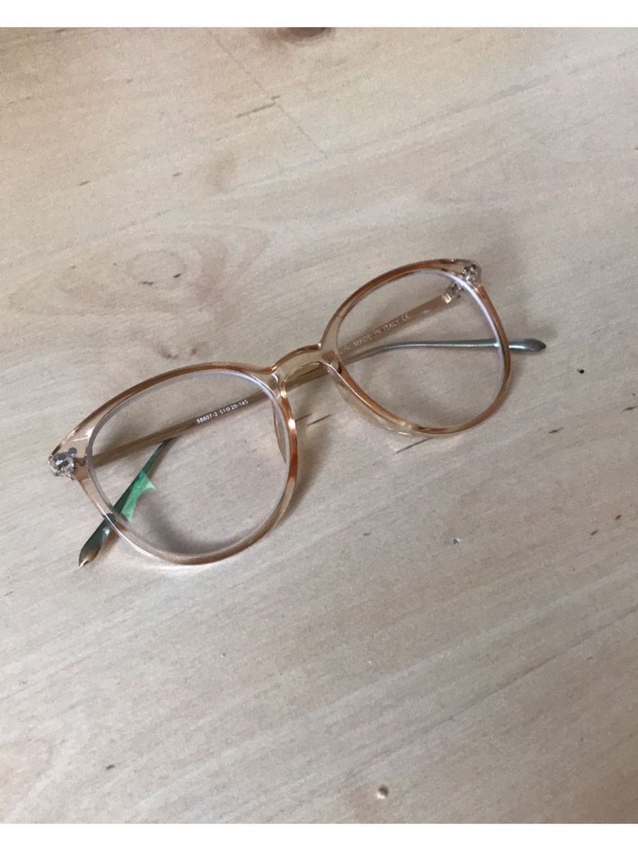 armação nude redonda - óculos sem marca.  Czm6ly9wag90b3muzw5qb2vplmnvbs5ici9wcm9kdwn0cy8xnzyymjivngu3njvlnmm4nza4mtuzmgjhngzkn2mxzthkyzdloweuanbn  ... 8f482fb9bd