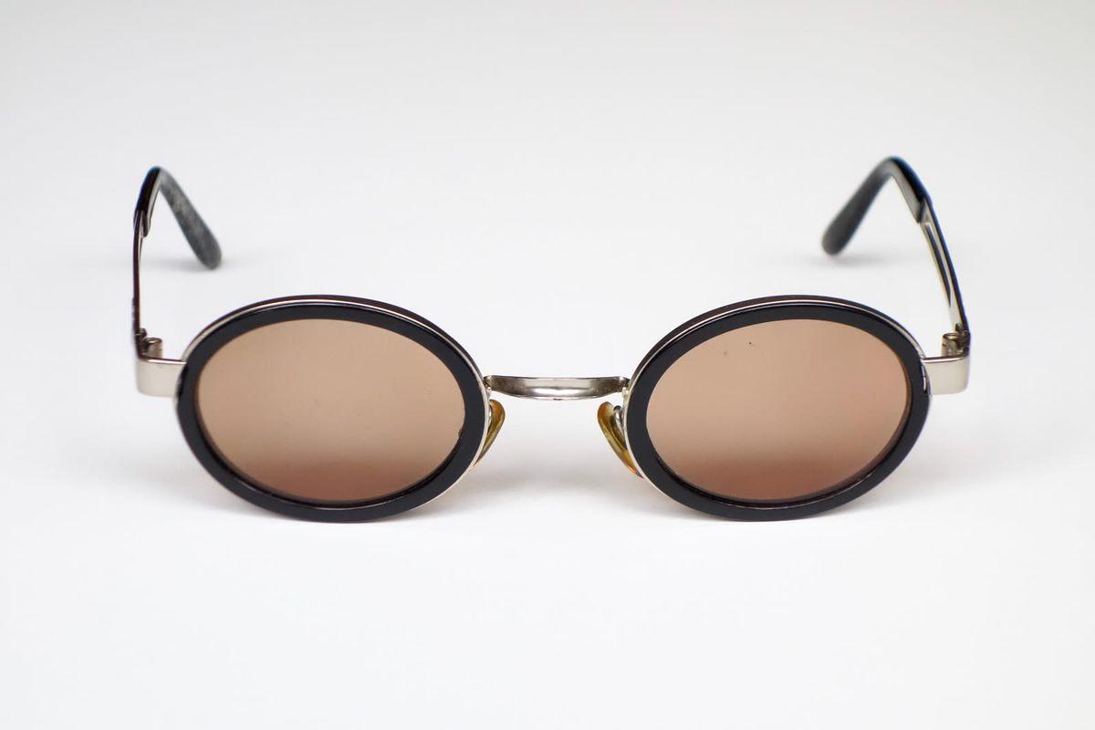 ed88cda9b8ebb armação óculos de sol emporio armani preta e prata - óculos emporio armani