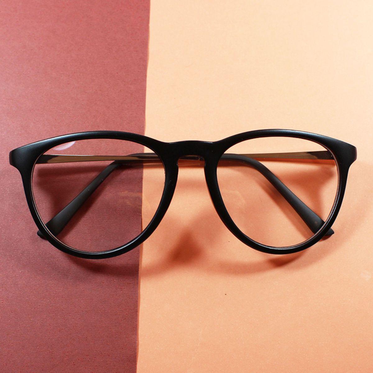 armação óculos grau feminina clássica redonda preto - óculos sem marca b787d42340