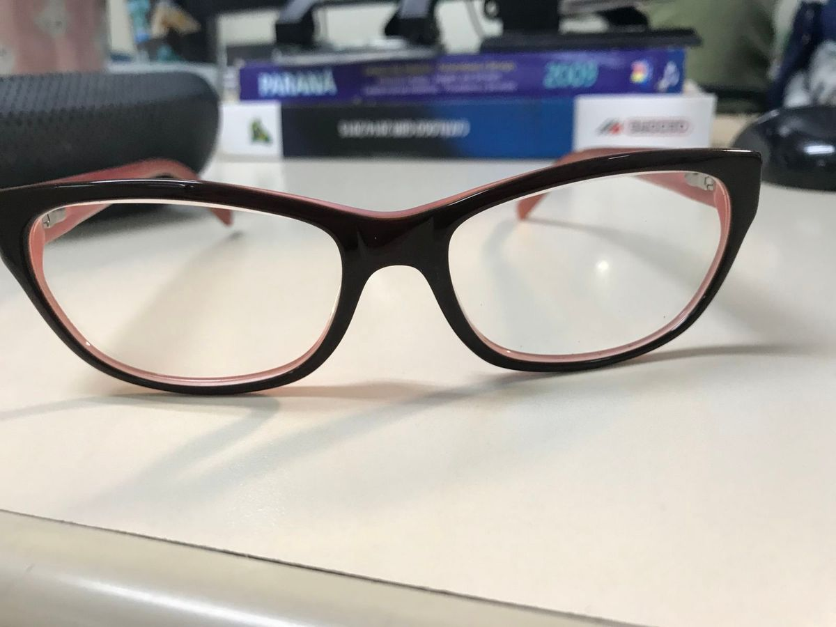 ce59507eb501f armação óculos guess - óculos guess.  Czm6ly9wag90b3muzw5qb2vplmnvbs5ici9wcm9kdwn0cy82ntu2mdevmmexnwnhmdk3mtexyzg4mgvjmwywmje3ngrlztflogyuanbn  ...