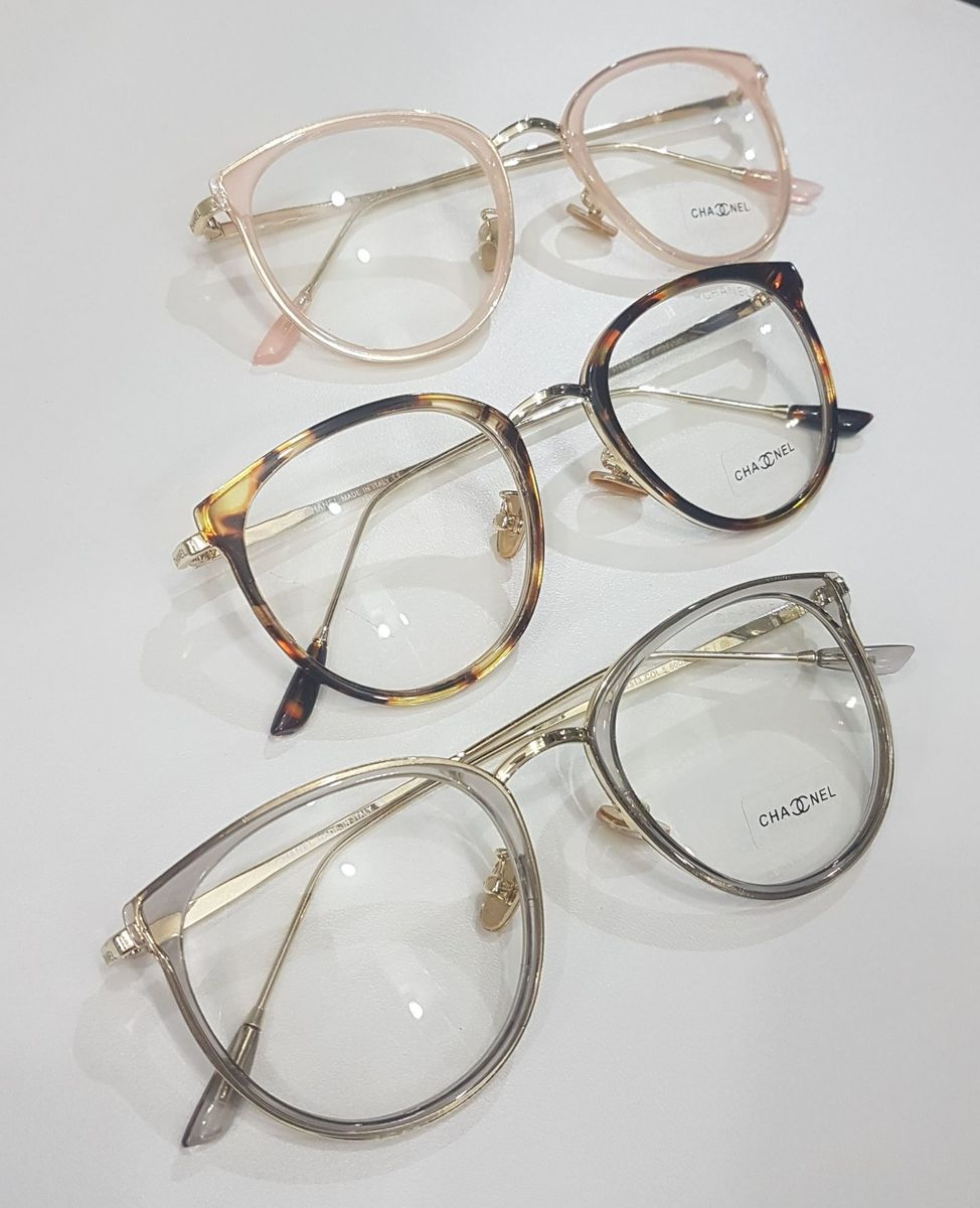 57c1bc278 armação pra lente de grau - óculos chanel.  Czm6ly9wag90b3muzw5qb2vplmnvbs5ici9wcm9kdwn0cy84njgwndazl2e0zdc3mmyzzjbinzu1yjiwztrjnme5nge0nzvmoti5lmpwzw
