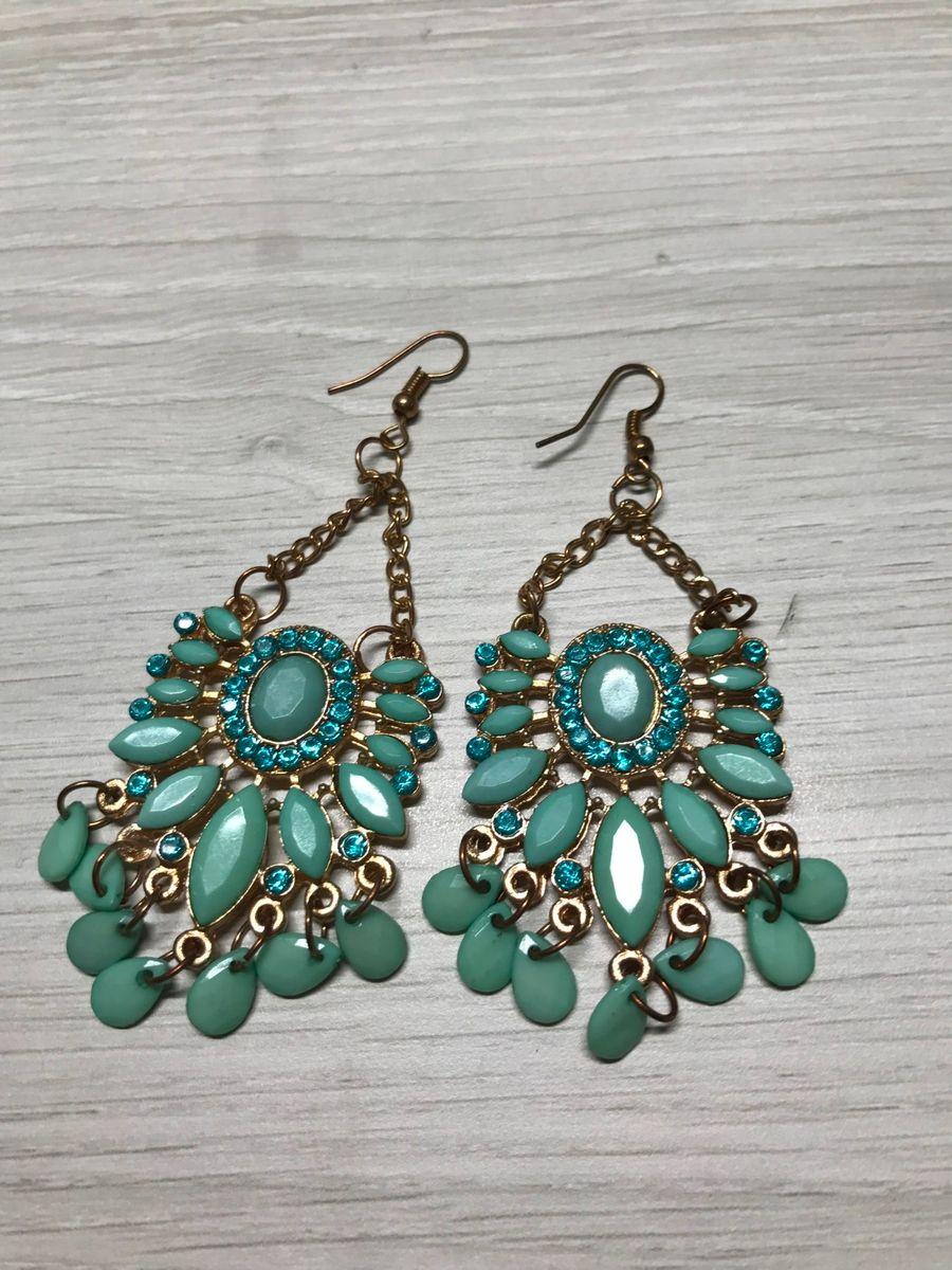 7d6f627154 azul tiffany nas orelhas - bijoux elhea.  Czm6ly9wag90b3muzw5qb2vplmnvbs5ici9wcm9kdwn0cy80oty0njc1lzc1y2fhztvhnjaxn2fhmdfjymzjmtrhnjnkytvmztlhlmpwzw