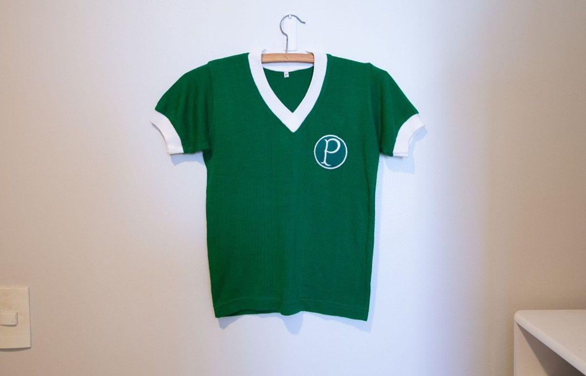 baby look retrô palmeiras - camisetas brasil retrô.  Czm6ly9wag90b3muzw5qb2vplmnvbs5ici9wcm9kdwn0cy84mty4ny8yogrmmtfjyzzimtq1zjzjmja5mwu2zjk0mmvjnze1mc5qcgc  ... 4df665e8355df