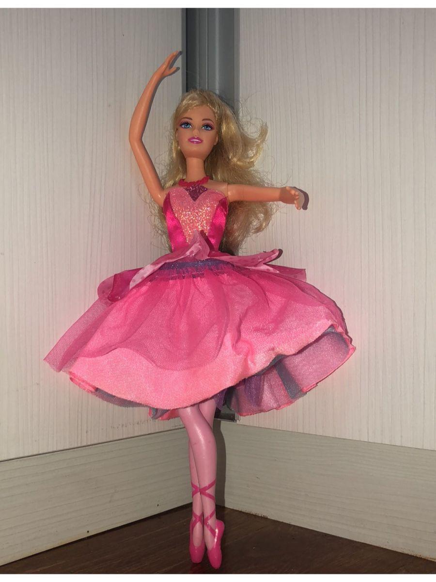 4dc6498e83 barbie sapatilhas mágicas - crescidinhos barbie.  Czm6ly9wag90b3muzw5qb2vplmnvbs5ici9wcm9kdwn0cy84mzm1ndg0l2e4mdizmwrkn2yznda3mgfiy2vmzgzin2e3zgrlzja5lmpwzw