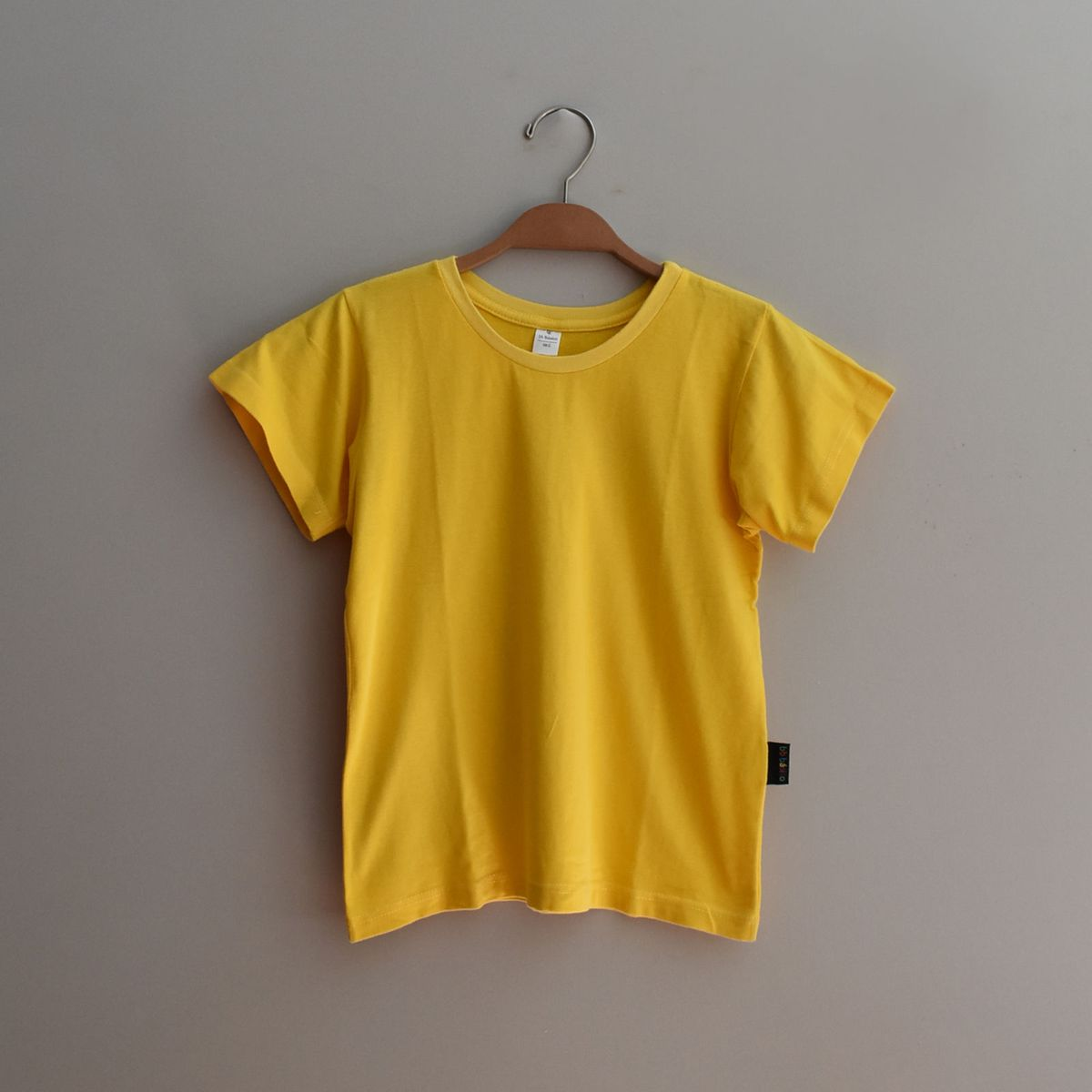 bb básico camiseta amarela - menino bb básico.  Czm6ly9wag90b3muzw5qb2vplmnvbs5ici9wcm9kdwn0cy83ode2mdqvnwvknmizmzezymzjowq5ytm5zgzmowflmmnhzwnjytguanbn  ... 789f6c0bdc