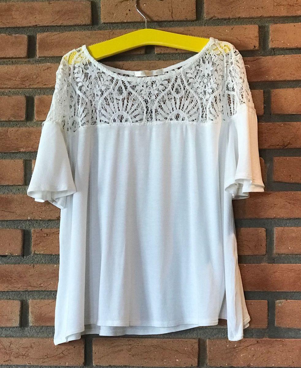 701027b3a4 blusa branca com detalhe em renda - blusas yessica