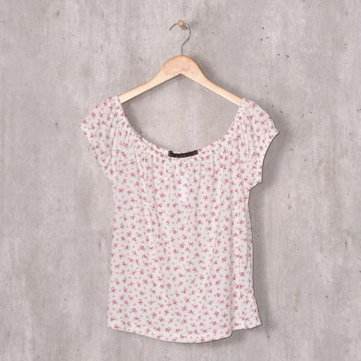 blusa branca floral ombro a ombro - blusas mrc girls