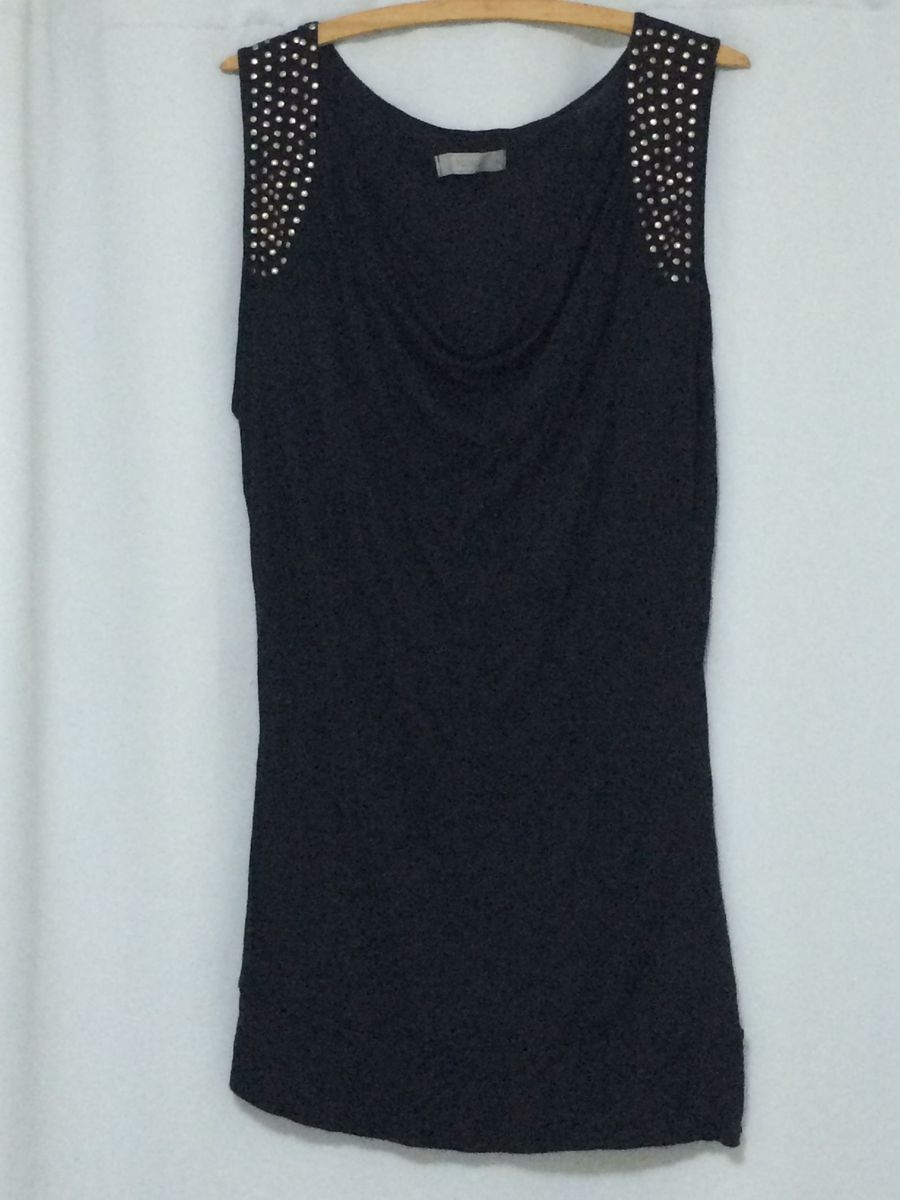 d5ecfbb92 blusa preta com detalhe na manga - blusas renner.  Czm6ly9wag90b3muzw5qb2vplmnvbs5ici9wcm9kdwn0cy8ynza1ntavzjzkztm2nmvinzzjmzlmmdm0y2fkoti3n2iwzte3owyuanbn