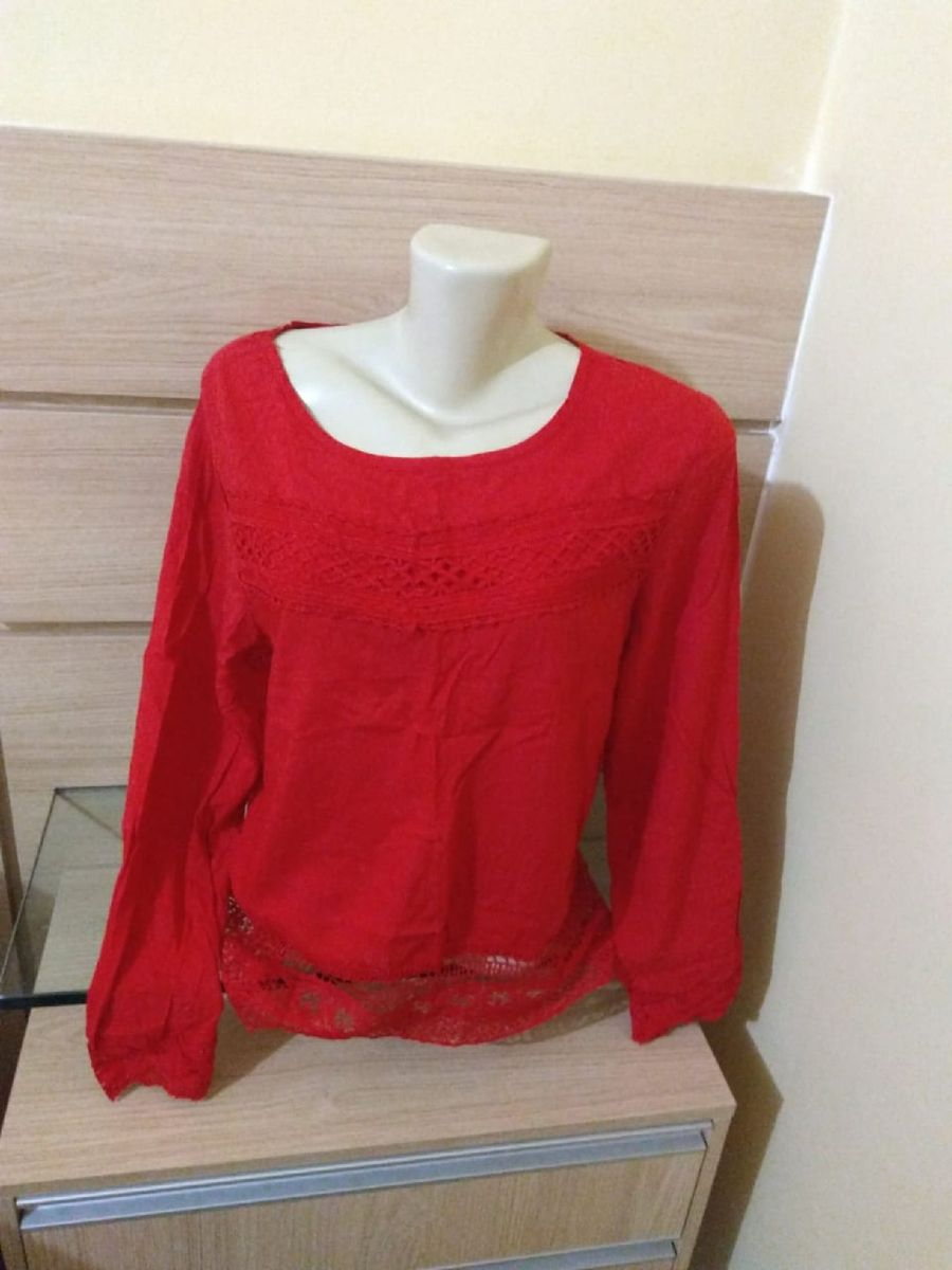 blusa vermelha detalhes - camisas sem marca