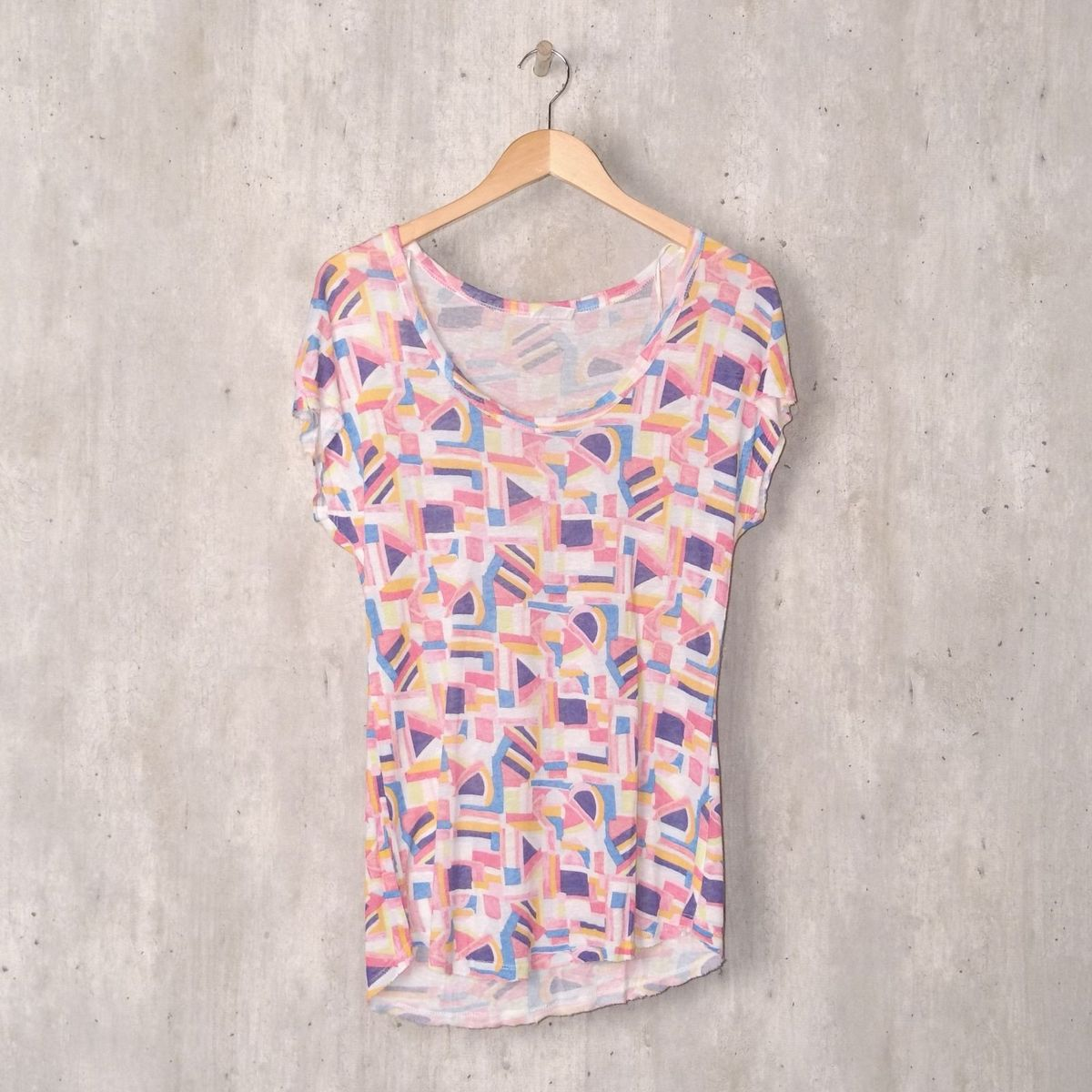 2af3811f6 Blusinha Abstrata Colorida | Blusa Feminina Zara Usado 30405662 | enjoei