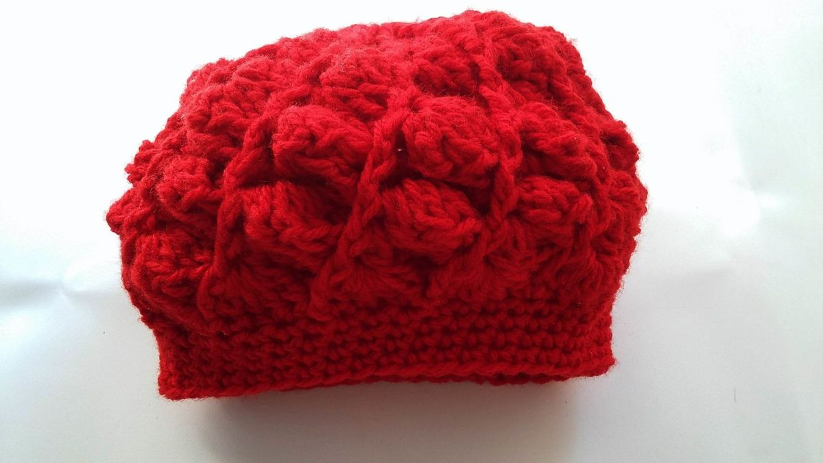 boina infantil de crochê - menina produto artesanal cb9aaa676f2