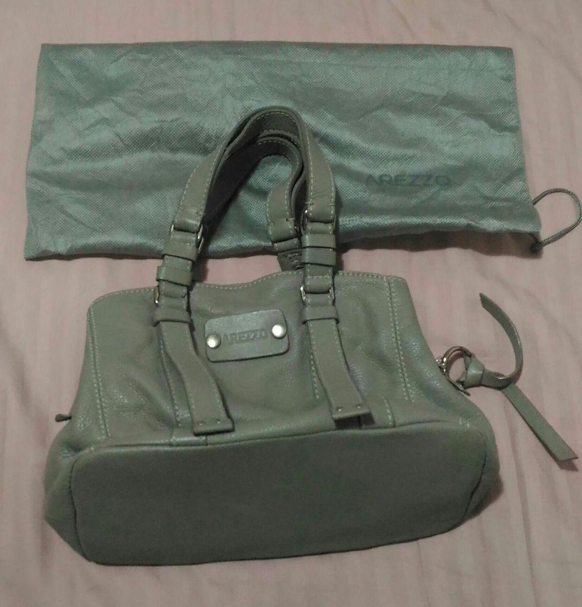 0967f3c91 bolsa arezzo original - de mão arezzo.  Czm6ly9wag90b3muzw5qb2vplmnvbs5ici9wcm9kdwn0cy85njk2mzezlzviytg2mwe5nmq1ywe3yznkzmu1nwe2odjmmmyznmi2lmpwzw