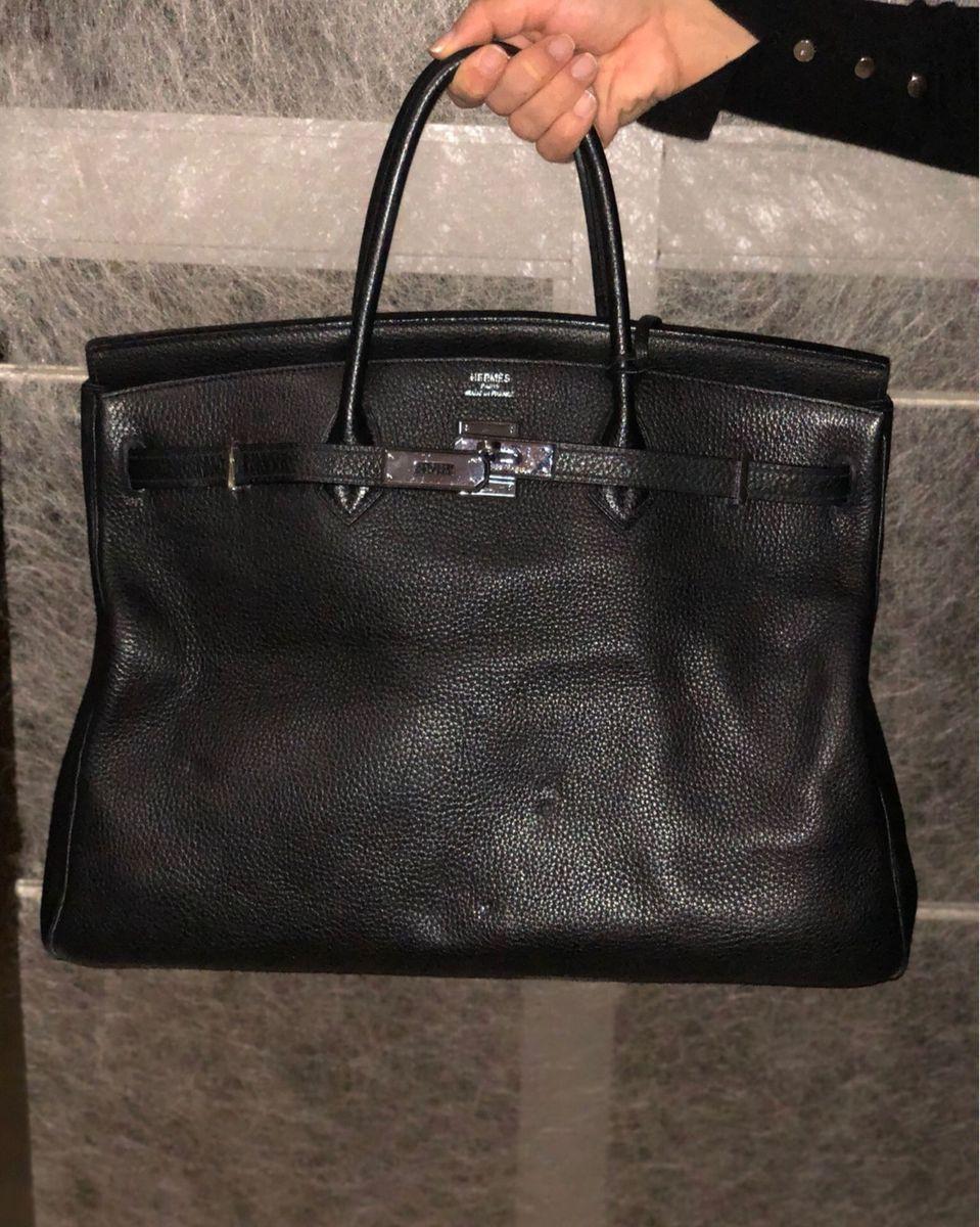 124fc35e17d bolsa birkin hermès preta 40 cm - de mão hermes.  Czm6ly9wag90b3muzw5qb2vplmnvbs5ici9wcm9kdwn0cy81mti2mzc1l2riodmxndy1zgi3ntfkyjlmzgi0zmnmntjmymuyzgvhlmpwzw  ...