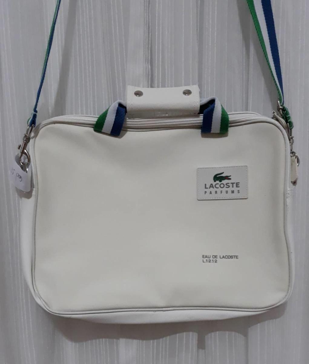 63a2888b7e813 bolsa branca carteiro lacoste - ombro lacoste.  Czm6ly9wag90b3muzw5qb2vplmnvbs5ici9wcm9kdwn0cy8zmtg0nzivzjeyytdjzwmzmwq2yjjkmwrmmty0yte3y2y5ndhjzjyuanbn  ...