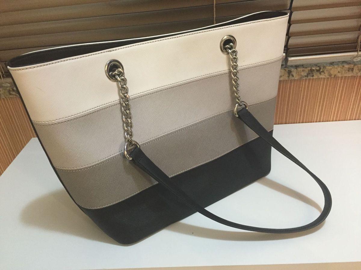 8cb022e9a228e Bolsa Calvin Klein em Couro Saffiano   Bolsa de Ombro Feminina Calvin Klein  Usado 16265551   enjoei