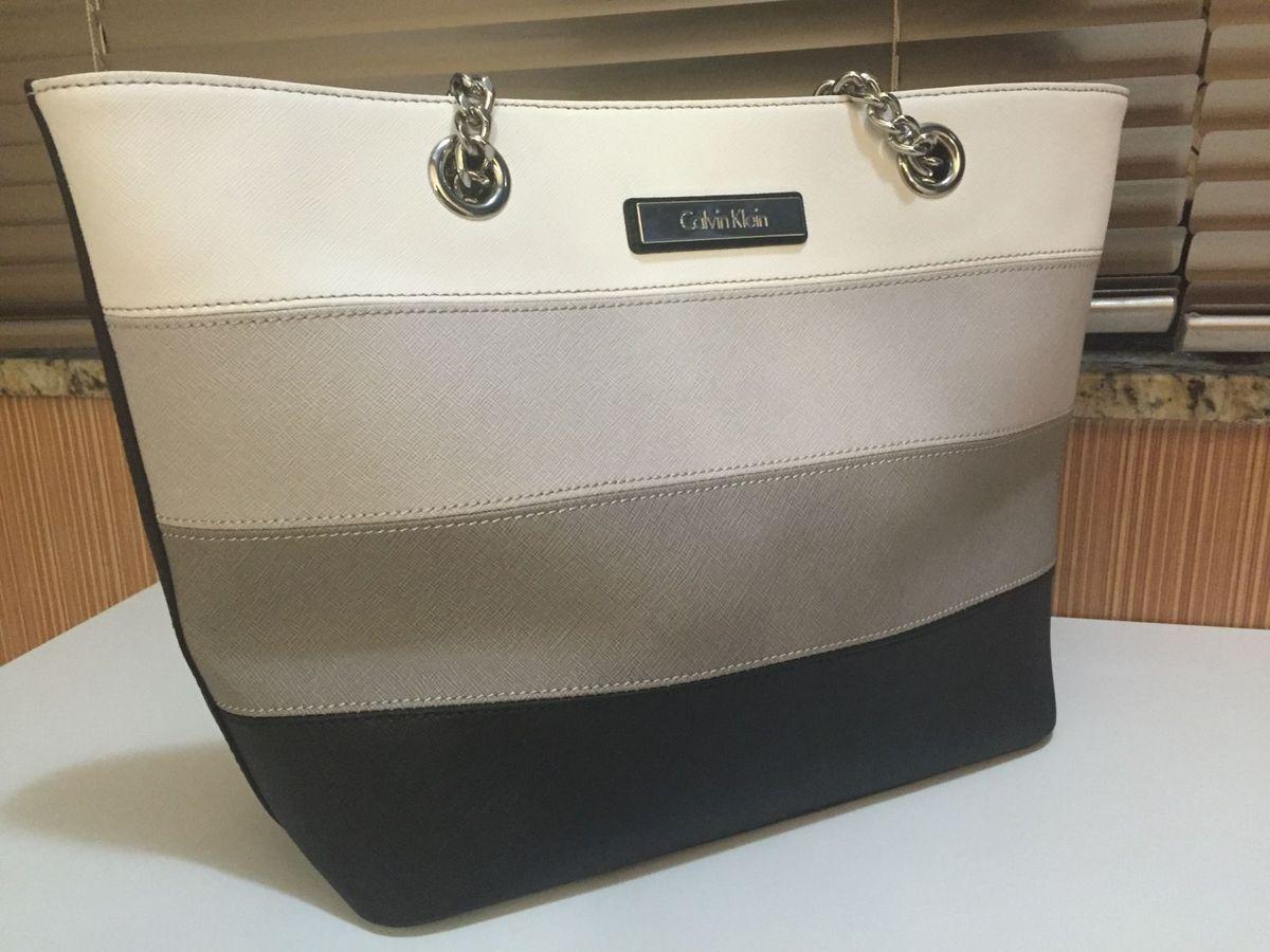 bb791c9931ed8 Bolsa Calvin Klein em Couro Saffiano   Bolsa de Ombro Feminina ...