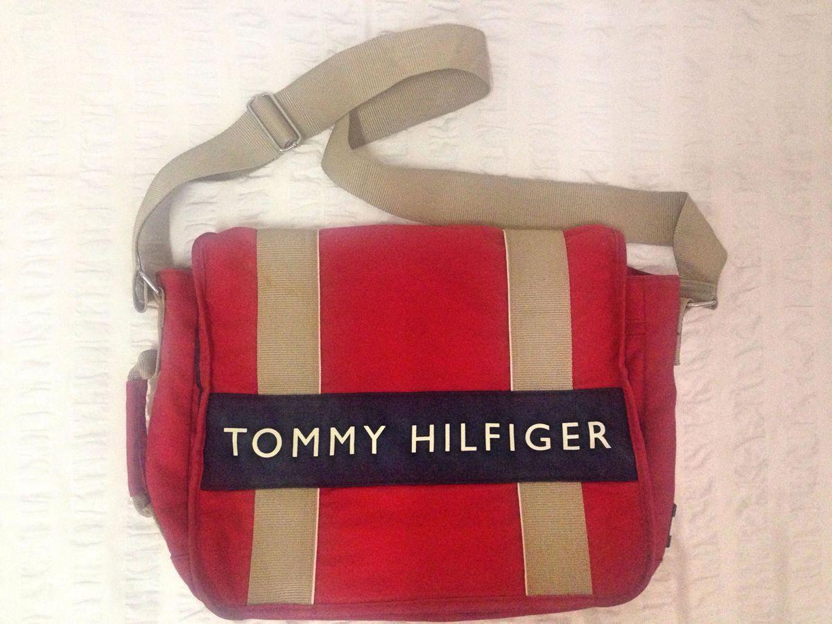 00fc8f9e5 Bolsa Carteiro Tommy Hilfiger Unissex   Bolsa de Ombro Feminina ...