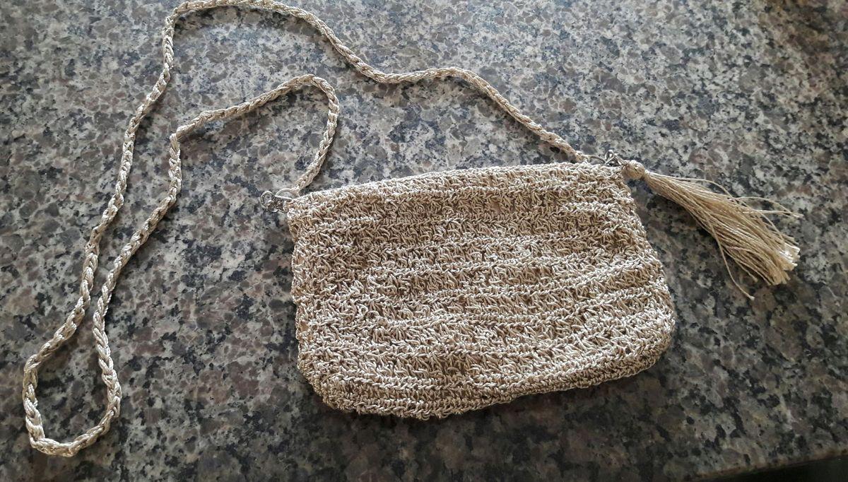 39263936e bolsa de festa pequena bege feita em crochê - ombro artesanato