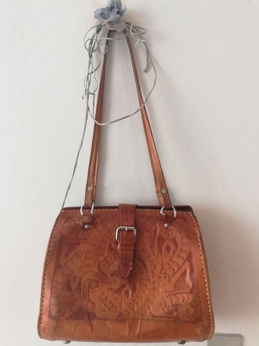 b51256552 bolsa em couro artesanal - bolsas sem-marca.  Czm6ly9wag90b3muzw5qb2vplmnvbs5ici9wcm9kdwn0cy81mjgxmdkxl2jlmgm0m2nim2zkmdkynjjmmgvkmwmyzmq3ymjmzmfklmpwzw