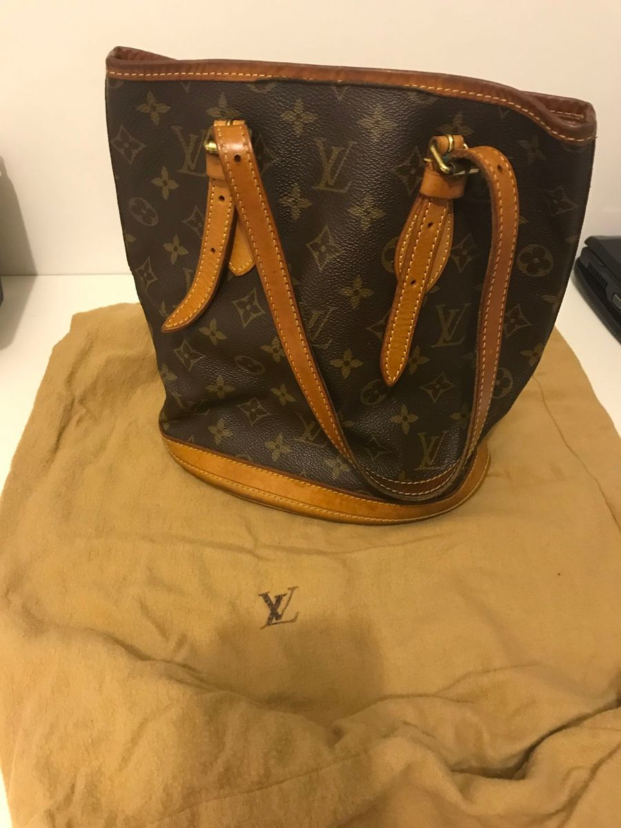 5bdd1c706 Bolsa Louis Vuitton Petit Bucket | Bolsa de Ombro Feminina Louis ...