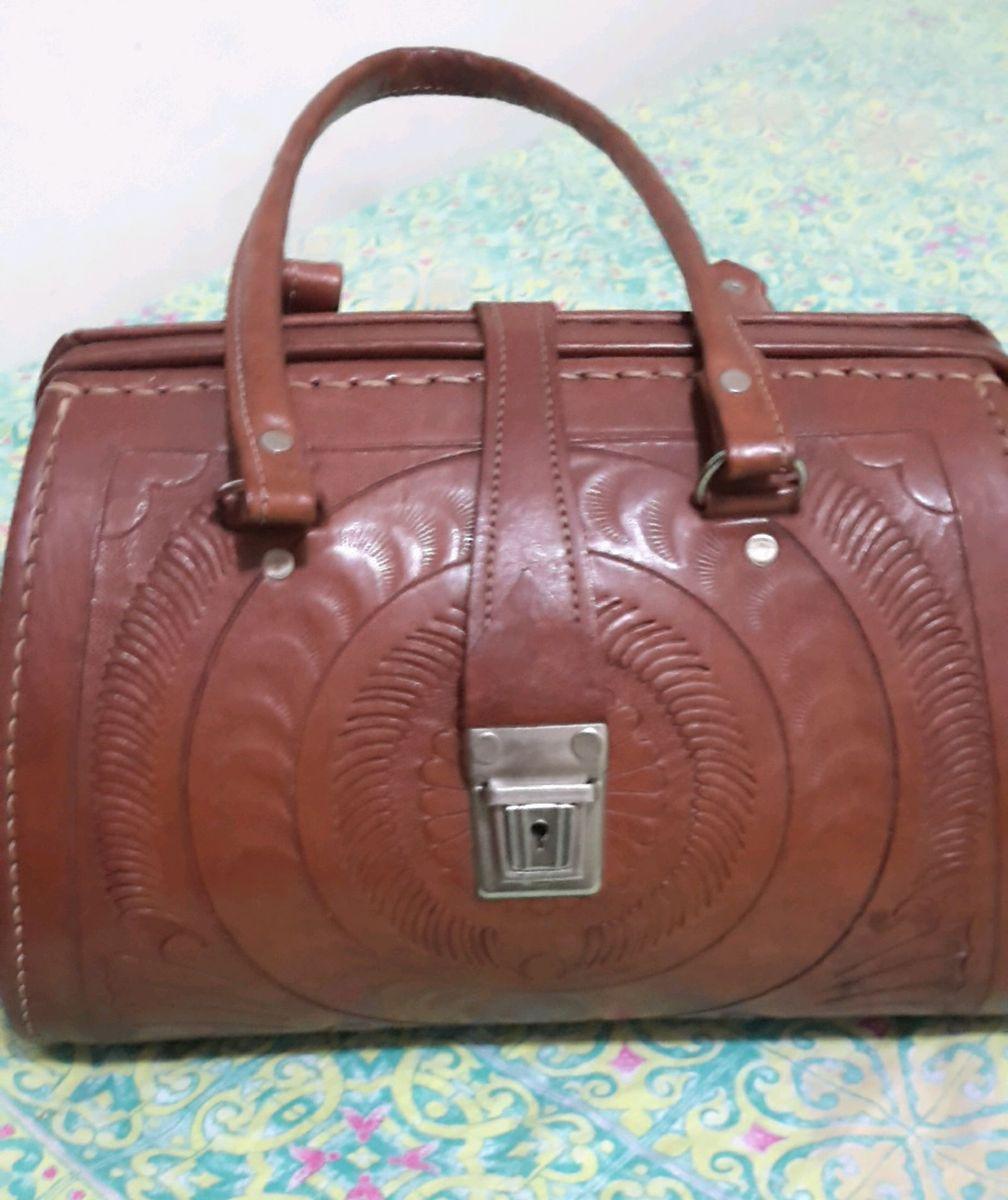 f2b1a50dec bolsa maleta de couro - de mão couro.  Czm6ly9wag90b3muzw5qb2vplmnvbs5ici9wcm9kdwn0cy8yndewmzavyzlmyzdjndvhowm0ody3zwqymdy5mjnlmtfjmge3odeuanbn  ...