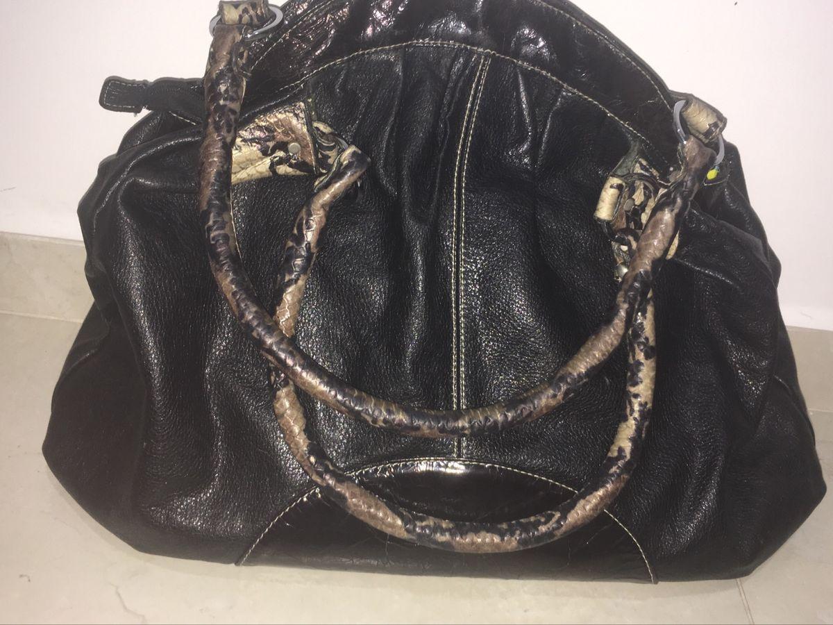 7a234f8a6fd bolsa preta em couro tipo sacola usada - bolsas sem marca