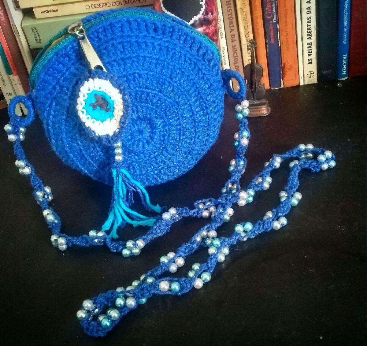 62b9b52a183 bolsa redonda azul em crochê - ombro sem marca.  Czm6ly9wag90b3muzw5qb2vplmnvbs5ici9wcm9kdwn0cy82ndywnzqvmgiymtc0yzllothiywm3zwmxzmi3zjiwnwq3ogjintauanbn