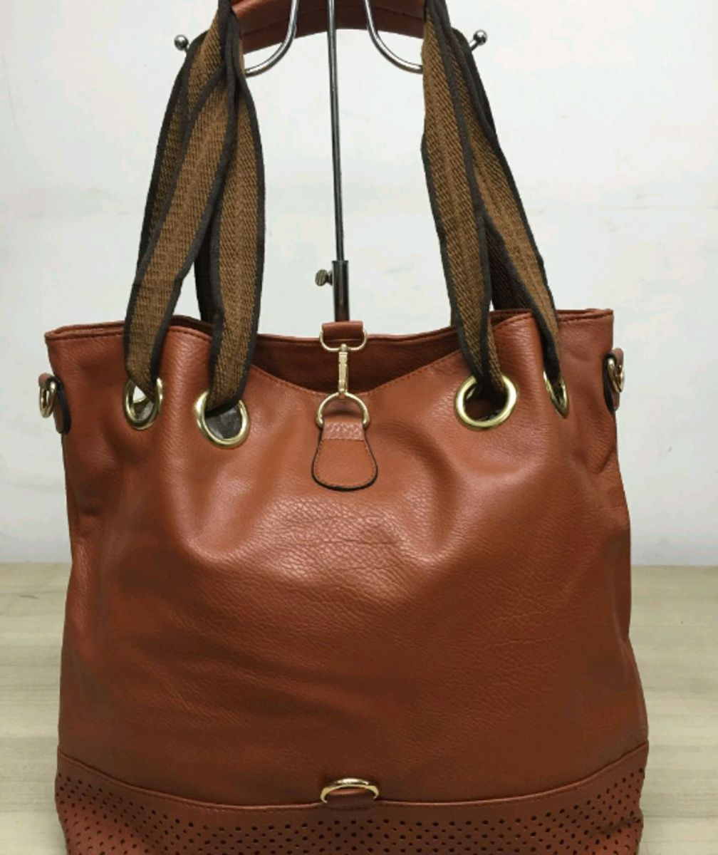 bolsa saco grande feminina couro sintetico com alça transversal. - ombro  sintetico 44f7d271622