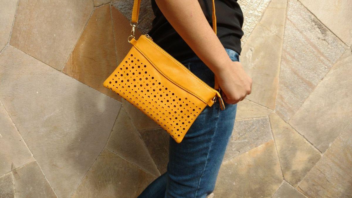 e11bca964 bolsa tipo carteira transversal amarela de courino - carteiras sem marca