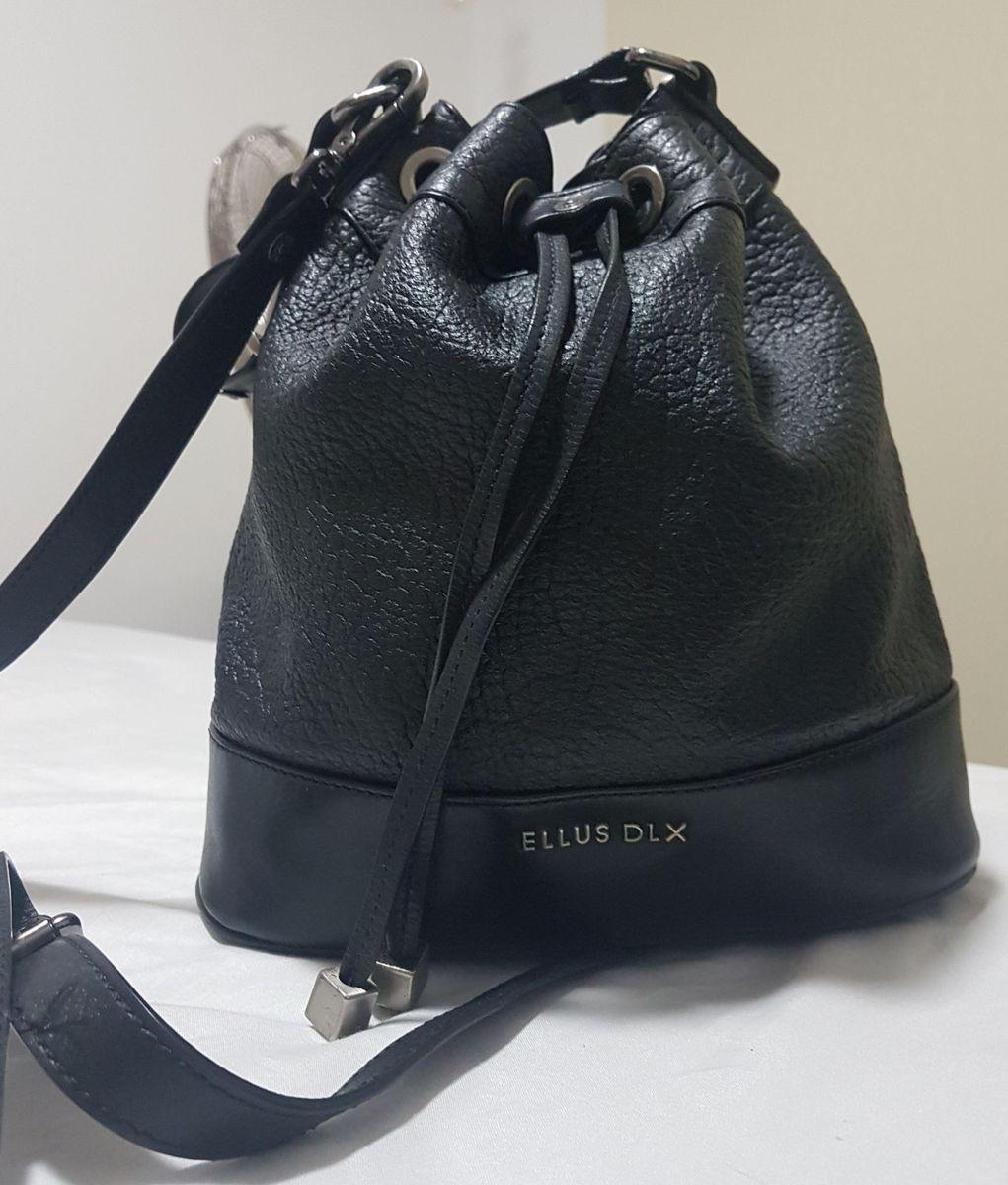 cb6b8afbe bolsa tipo sacola ellus - bolsas ellus.  Czm6ly9wag90b3muzw5qb2vplmnvbs5ici9wcm9kdwn0cy8ymja1odmvmjhiyjyzmdninmezytc1otk4mgm1otg0ndcyymvhzwquanbn
