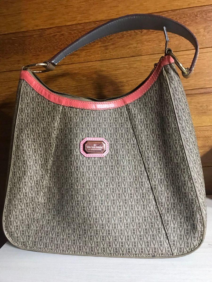 bolsa victor hugo de couro tamanho médio com detalhe em rosa - ombro victor- hugo 519f54b306