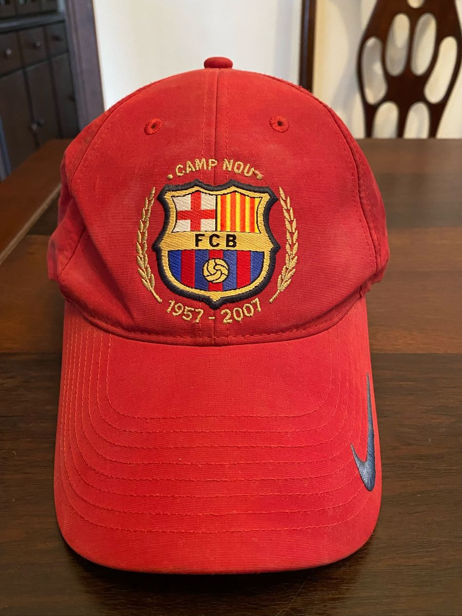 Oscurecer Están familiarizados lavandería  Boné Barcelona Vermelho Nike | Nike Usado 43383638 | enjoei