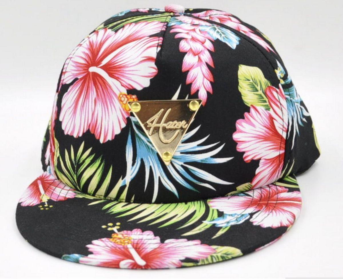 43f018a8f49d6 boné floral hater - chapeu hater.  Czm6ly9wag90b3muzw5qb2vplmnvbs5ici9wcm9kdwn0cy82ntuwmtgvngy0mzk3odcymdqwotg2yzk5nzk5mmvlm2niotnimtiuanbn  ...