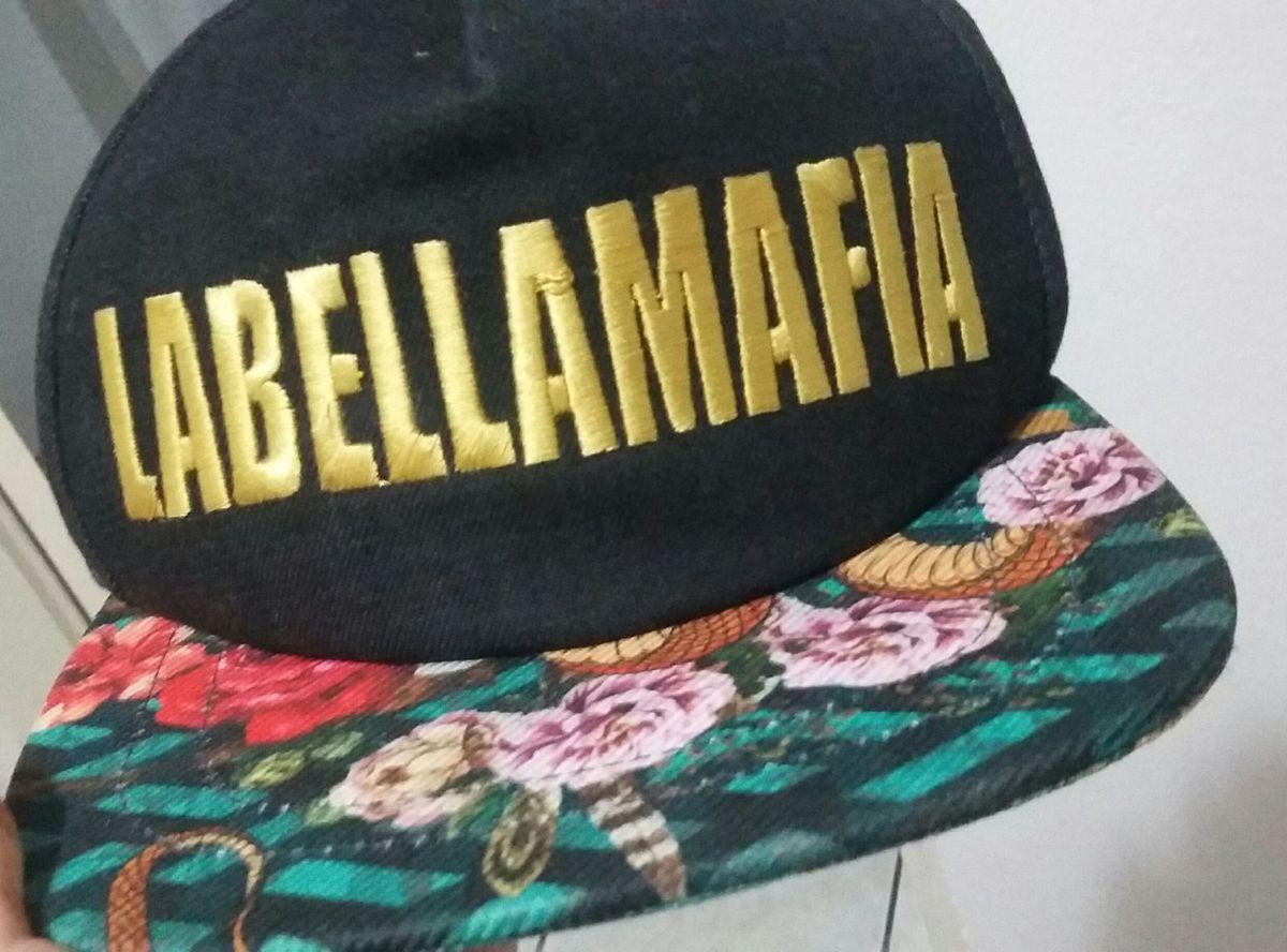 3f8a9a5b5 boné labellamafia original - chapeu labellamafia.  Czm6ly9wag90b3muzw5qb2vplmnvbs5ici9wcm9kdwn0cy84mtqxmjg0lzkxyzrmzwq4ytm3y2rimdbmmdfmyzu1njrlowi3nzyzlmpwzw  ...